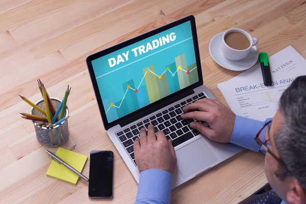 What is Day Trading? Day Trading vs. Investing